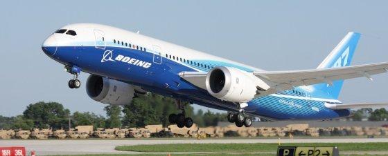 boeing-787-dreamliner-560x226